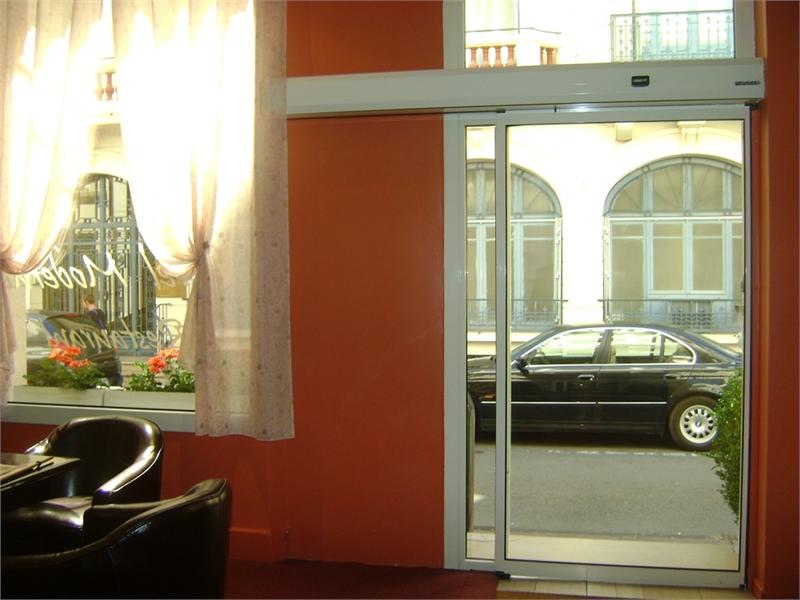 dpt allier 03 vendre proche de vichy h tel. Black Bedroom Furniture Sets. Home Design Ideas