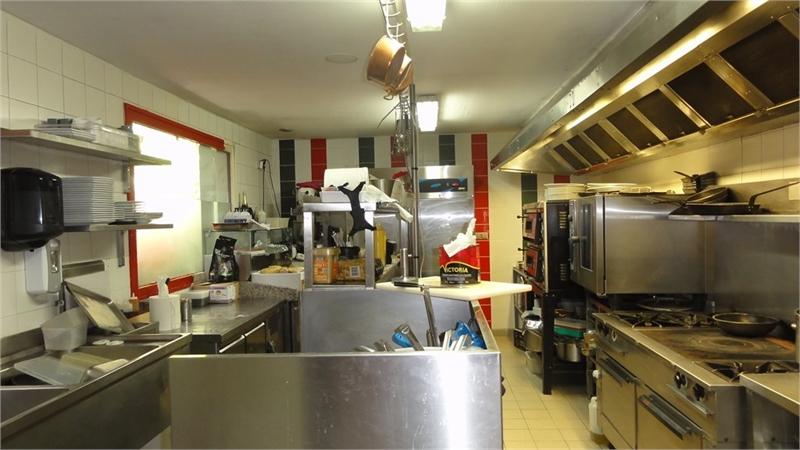 dpt rh ne 69 vendre lyon 9eme arrondissement restaurant licence iv sur 280m terrasse. Black Bedroom Furniture Sets. Home Design Ideas